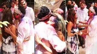 Lovebirds Farhan Akhtar & Shibani Dandekar Romantic Holi Celebration | Shabana Azmi Holi Party 2019