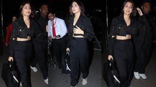Stunning Anushka Sharma Spotted At Mumbai Airport