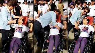 King Shahrukh Khan Meeting His Special Fan At Eden Garden Will Melt Your Heart | KKR Vs SRH