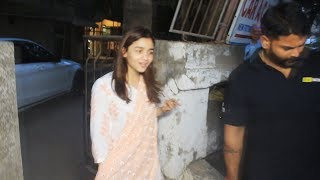 Alia Bhatt Spotted For Post Salon Session At Kromakay Juhu