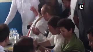 Rahul Gandhi having meal at 'Kamboj Dhaba' in Haryana's Indri