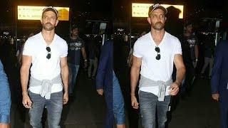 Greek God ???? Hrithik Roshan SPOTTED At Mumbai Airport   Super 30