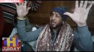 पंजाब के मशहूर लोक गायक गुरदास मान ने परिवार सहित माता श्री नैना देवी की की पूजा अर्चना