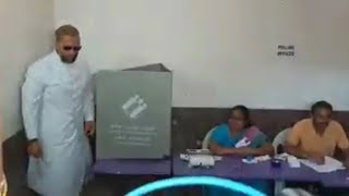 Asaduddin Owaisi Casting His Vote | Speaks To Media After Casting His Vote In Vattapally.