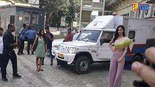 Ananya Pandey & Tara Sutaria - Grand Entry - Student Of The Year 2 Trailer Launch