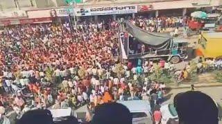 ये कोई BJP की रैली नही है,कर्नाटक से रामनवमी उत्सव का एक दृश्य है,जिसमे मोदी मोदी के नारे लगा रहे है