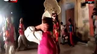 मां दुर्गा की भव्य शोभायात्रा निकाली गई