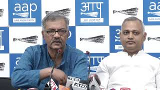 CPI (M) 's Nilotpal Basu announces that the Left will support the AAP candidates in Delhi