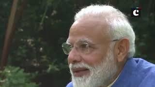 PM Narendra Modi speaks on Akshay Kumar & Twinkle Khanna