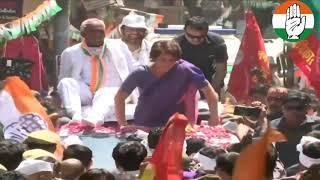 Smt. Priyanka Gandhi Vadra holds a roadshow in Jhansi, Uttar Pradesh