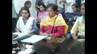 Derogatory pamphlets: AAP candidate Atishi files complaint against Gautam Gambhir with DCW