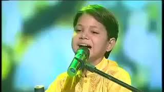 इस बच्चे की आवाज पे रो पड़े दर्शक - Piya Piya Ratate - Akash kumar Mishra