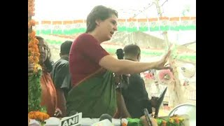 People should have chosen Amitabh Bachchan as their PM instead of Modi, says Priyanka Gandhi