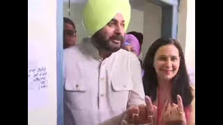 Navjot Singh Sidhu, wife Navjot Kaur Sidhu cast their votes in Amritsar