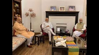 PM Modi meets LK Advani, credits win to 'margdarshak'