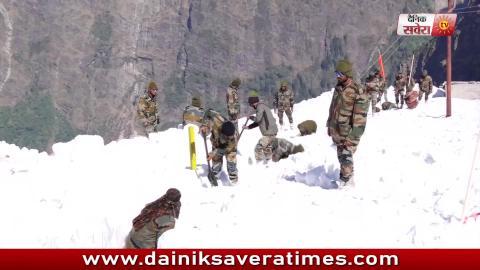Exclusive Video Report: देखिए कैसे Snow के बीच Army बना रही है Hemkunt Sahib का रास्ता