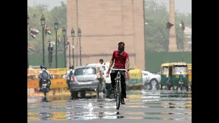 Heat wave sweeps in Delhi, mercury rises to season high