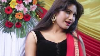 बॉलीवुड के सुपरहिट गाने पर सुपरहॉट देसी लड़की का धमाकेदार डांस | Live Stage Dance | Hindi Songs 2018