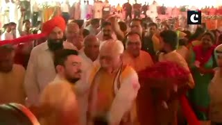 Harayana: CM Manohar Lal Khattar pushes aside man who tries to take selfie