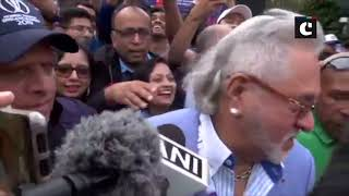 Crowd shouts 'chor hai' as Vijay Mallya leaves from the Oval after match