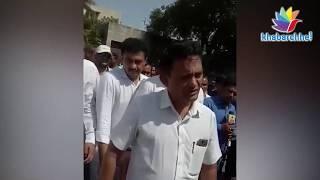 Surat Fire: paresh dhanani meet family of died kids