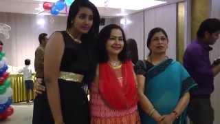 Top Indian Model Kissing Seen -Dhwanit Birthday Party Video Leaked