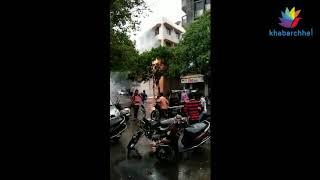 પુણાગામની LPD સ્કૂલ પાસે આવેલા વીજ થાંભલામાં તણખલા ઉડતા લોકોમાં ડર