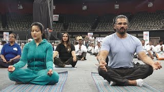 Sunil Shetty And Amruta Fadnavis To Do Yoga With 400 Defferentially Abled People