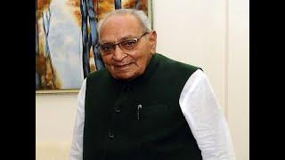 Motilal Vora becomes interim Congress president after Rahul Gandhi's resignation