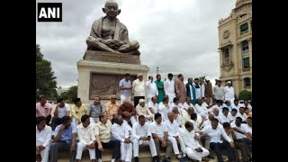 Karnataka Crisis:  Rebel MLAs confirm that they are not under any pressure from BJP
