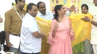 APNRT distributed the cheques to the families || online ap news || APNRTDonation #NonResidentTelugu