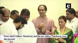 Sachin Ahir joins Shiv Sena in presence of Uddhav Thackeray