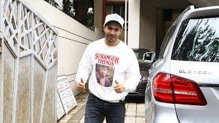 Dashing Varun Dhawan Spotted David Dhawan Office Juhu - Watch Video