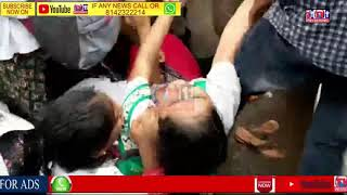 POLICE CONSTABLE MISBEHAVES  WITH LADY DOCTOR UNDER GOING PROTEST UNANI HOSPITAL CHARMINAR HYDERABAD