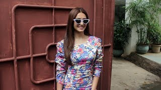 Kriti Kharbanda Spotted At Sunny Super Sound Juhu - Watch Video