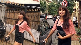 Beautiful Rhea Chakraborty Spotted At Bombay Salad Bandra