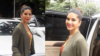 Sunny Leone Spotted At Play School Fusion Juhu