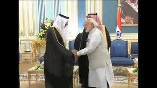 PM in Saudi Arabia, meets King Salman bin Abdulaziz | PMO