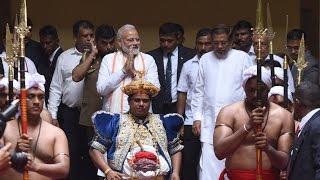 PM Narendra Modi visits Sri Dalada Maligawa Temple, Sri Lanka | PMO
