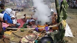 देखिए गाँव मे काशी दास बाबा की पूजा कैसे करते है लोग जैसे की इंसान के अंदर भगवान आ गया है