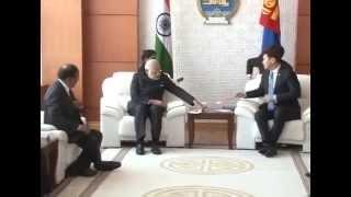 PM Modi meets Mongolian counterpart Saikhanbileg | PMO