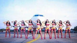 बिकनी एयरलाइंस भारत में आ चुकी है  जिसमें पायलट एयर होस्टेस सभी बिकनी में नजर आएंगी just two...