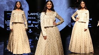 Beautiful Mrunal Thakur Turns Showstopper For Alka Sharma | Lakme Fashion Week 2019