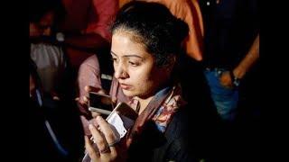 शमी की पत्नी Hasin Jahan ने पत्रकारों से की बदसलूकी, तोड़ा कैमरा