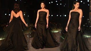 Stunning Kareena Kapoor  Khan Walks For Gauri And Nainika At Lakme Fashion Week 2019