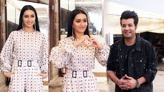Shraddha Kapoor AndVarun Sharma Snapped Promoting Their Film Chhichhore At Juhu