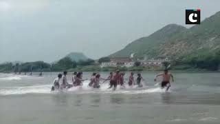 Truck gets stuck in flash flood in Rajasthan's Banas river
