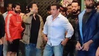 Salman Khan At Arpita Khan's Ganapati Visarjan | Salman Khan's Ganapati 2019
