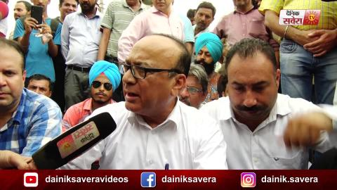 Exclusive:  Dilkusha Market Association के साथ धरने पर बैठे Jalandhar के Mayor Jagdish Raj Raja