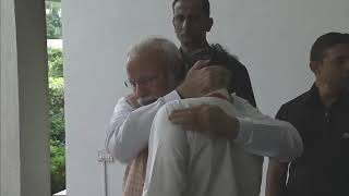 This is how a true leader uplifts his team. Through unstinted support and warmth!